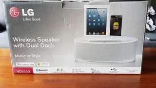 LG Wireless speaker with dual dock