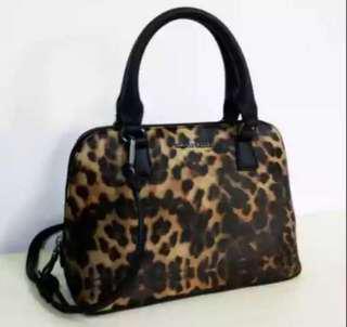 SOLD OUT Mango mini satchel ( leopard print )