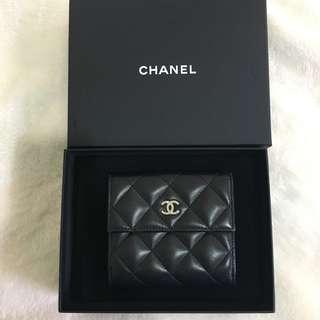 Chanel羊皮短夾
