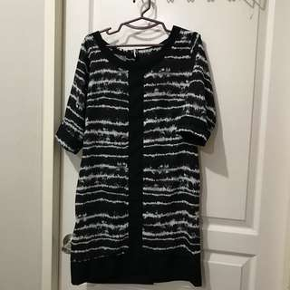 Juana short printed black dress