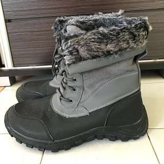Universal Traveller Male Winter Furry Boots in Grey #july50