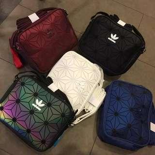 Adidas三葉斜咩袋