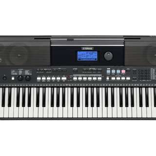 Mint Condition very new - Yamaha PSR-E433- Portable Keyboard
