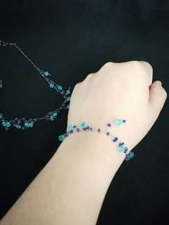 Blue necklace and bracelet with beads