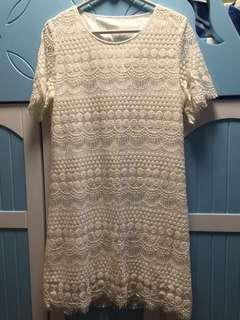 全白色連身裙