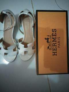 White wedges hermes