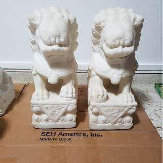 A pair of Fengshui white marble lion
