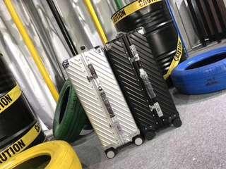 🚚 ELLE 24吋 行李箱 全鋁鎂金屬合金箱  24吋 (不可登機) 純鋁鎂合金 長寬高450*240*640mm  淨重:5.2kg  整理倉庫 清空價6300含運