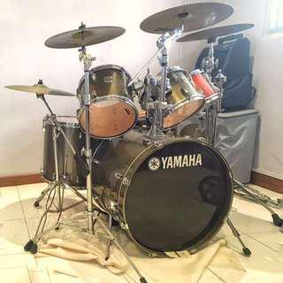 Yamaha Stage Custom All birch fully equipped with Zildjian cymbals