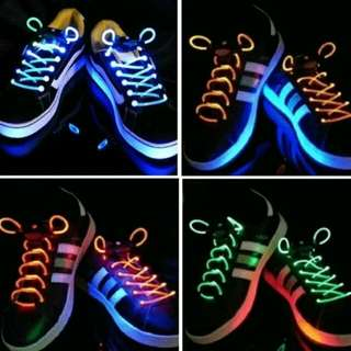 TALI SEPATU LED GLOW IN THE DWRK SHOLACE