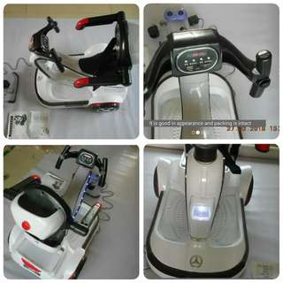 Electronic car with remote control