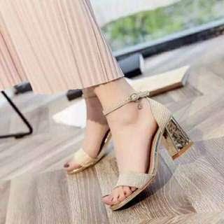 #002 Women's shoes PRE ORDERRR!!!! 2 COLORS