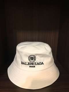 Balenciaga Mode Bucket Hats