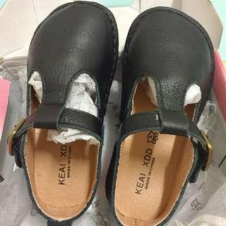 🚚 全新 兒童 黑色軟皮復古鞋 25碼(15.5cm)