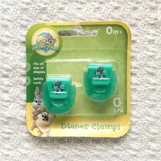 Looney Tunes Babies' Green Diaper Clamps / Clips