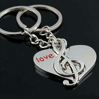 Gantungan kunci love music