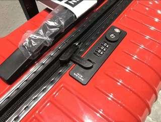rimowa行李箱
