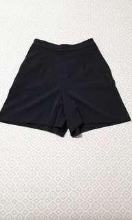 Uniqlo Shorts Black