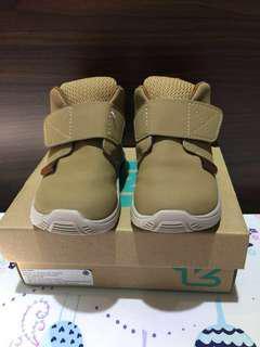Sepatu Boot anak (ToeZone / OshKosh ) Cream