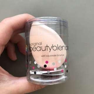 🚚 Beauty Blender in Bubble