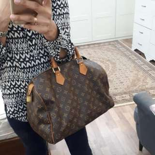 Preloved Authentic Louis Vuitton Speedy 35