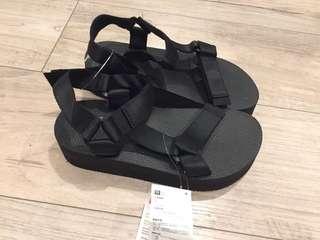 🚚 厚底涼鞋(尺寸可選擇)