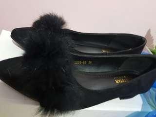Fur block shoes