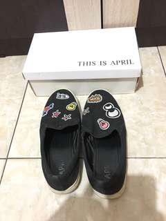 Sepatu Slip On merk This Is April