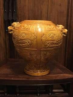 舊仿古黃釉獸形罐