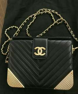 (99% new) Chanel A94507 Calfskin and Gold-Tone Metal