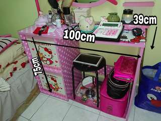 Hello Kitty desk table