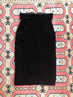 Velvet skirt with pockets size 26