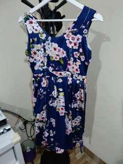 Dress bunga navy