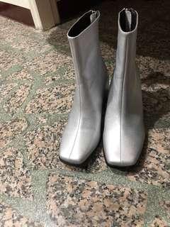 🚚 中統靴(銀色