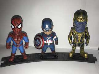 🚚 Marvel avengers collection with stand
