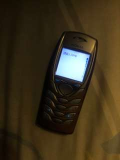 Nokia 6100 (不跟充電器)