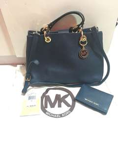 Authentic Michael Kors Bag w/ Wallet