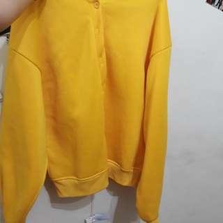 🚚 黃色外套