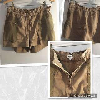 Aritzia Wilfred Shorts - Size 4