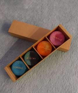 Round-shaped handmade soap (4 in a gift box)