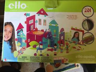Ello creation building playset