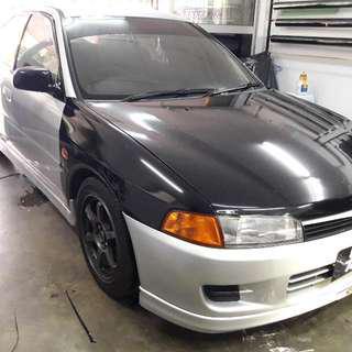 Tinted kereta Samurai