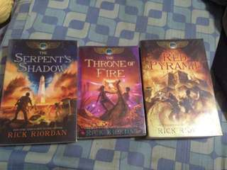 Red pyramid, throne of fire, serpents shadow