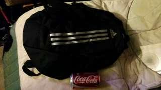 Adidas 背包、書包,16 inch tall, 11 inch wide, 6 inch deep, 屯門交收  adidas backpack, school bag, trade in.Tuen.Mun,25$ 郵寄, 25$ by mail