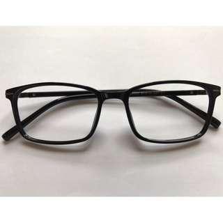 超輕亮黑色方形眼鏡(A32)