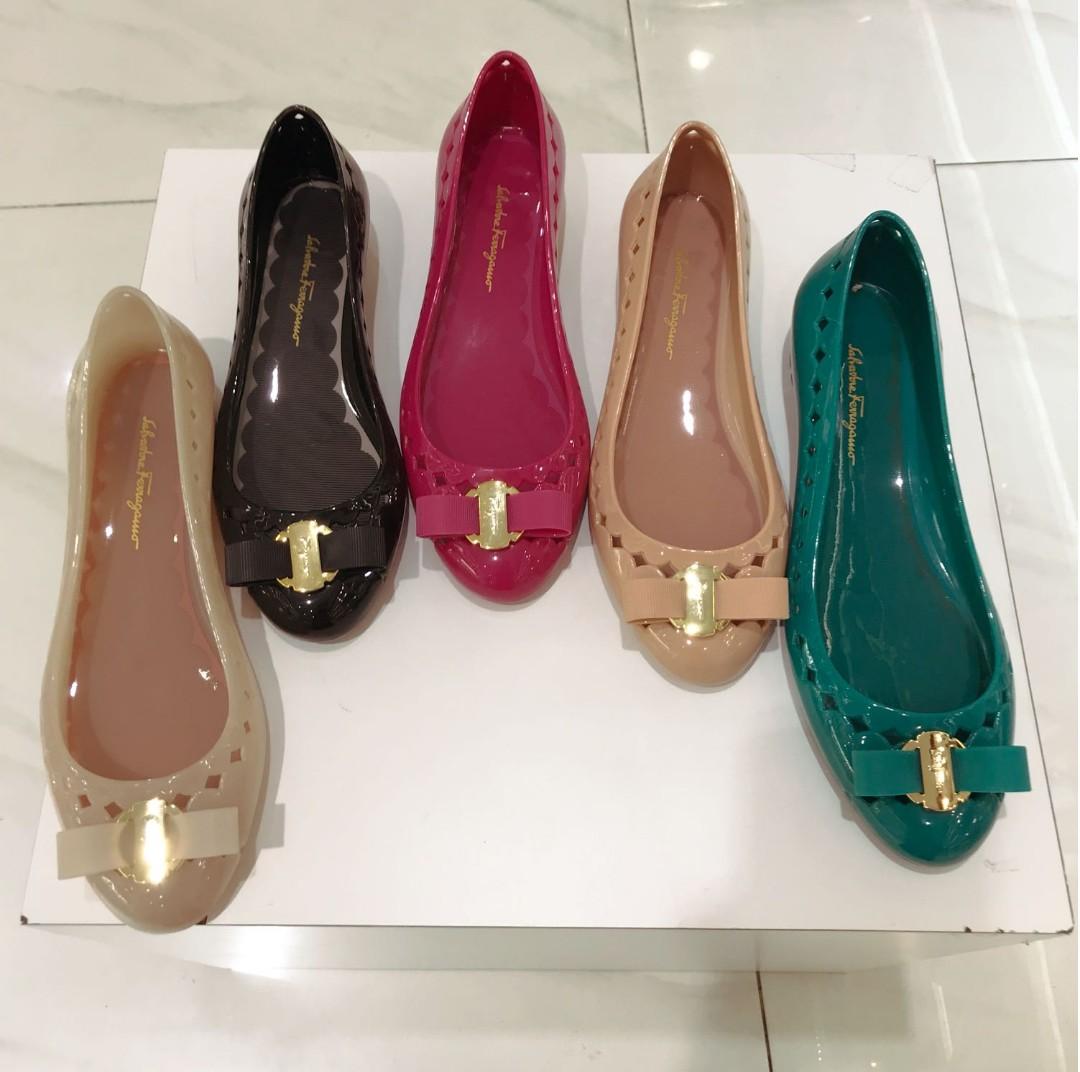 754d1519a06 Brand New Salvatore Ferragamo Vara Bow Jelly Ballet Flats