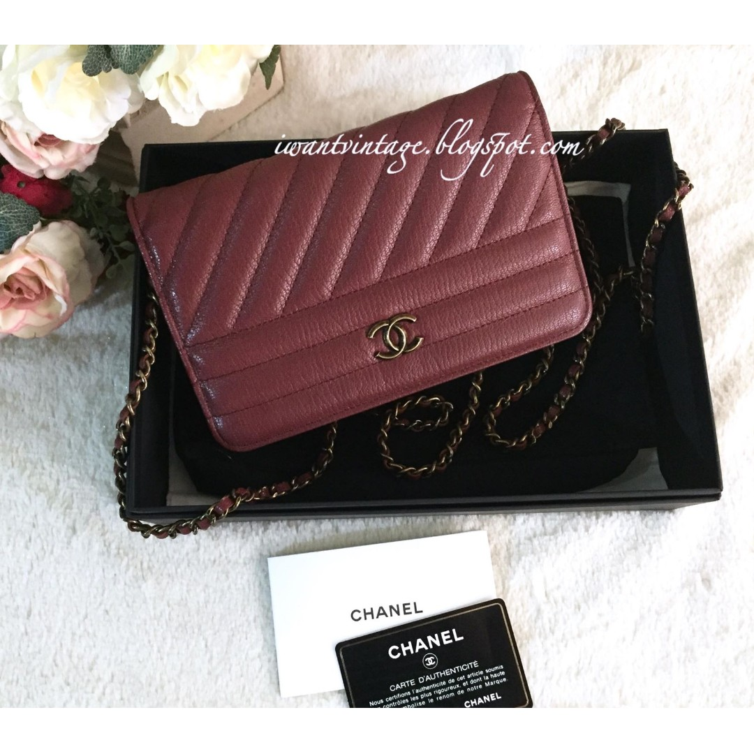 aceb9e30eeba Chanel A82398 Diagonal Quilted Wallet On Chain-Burgundy, Women's ...