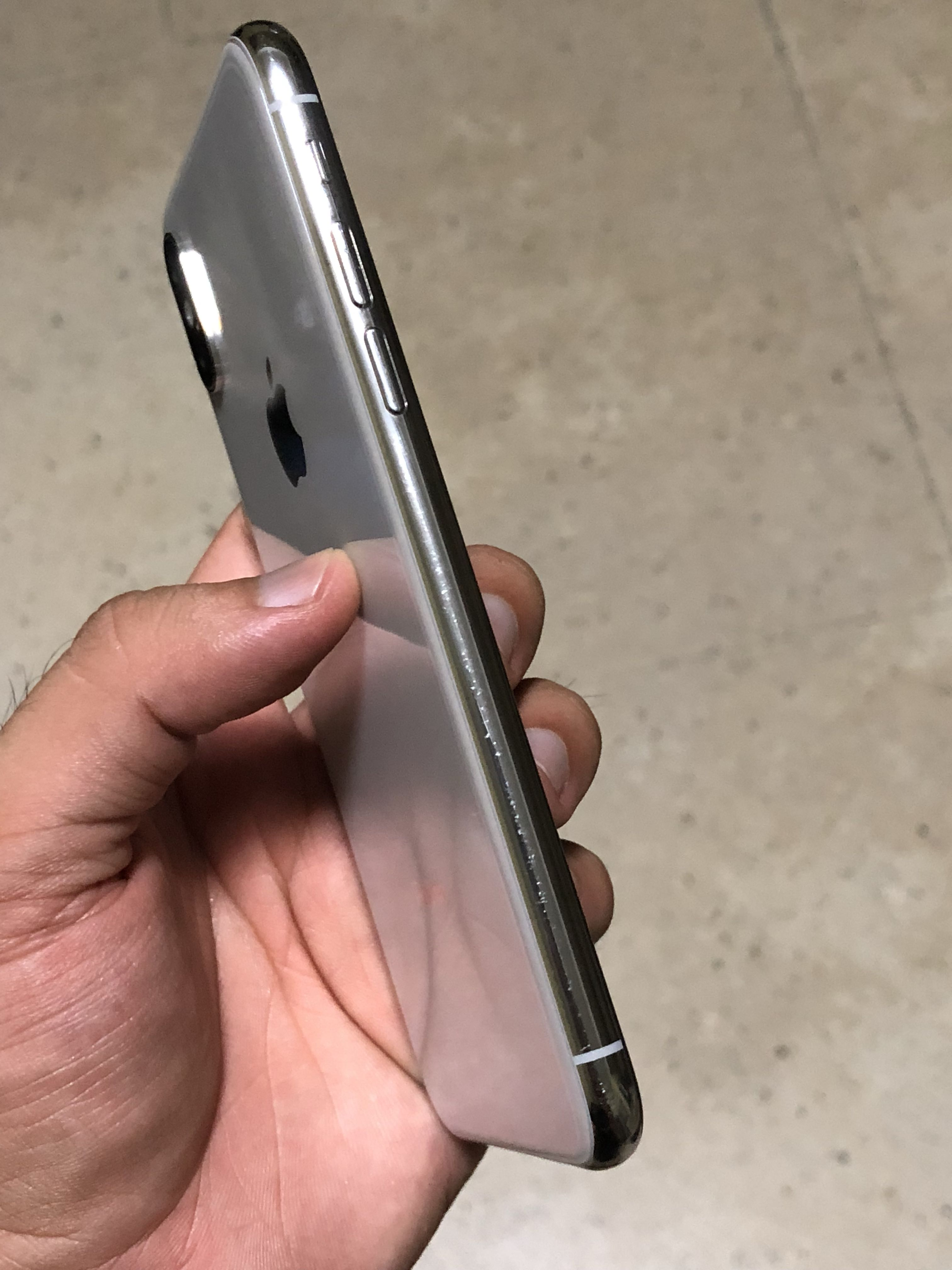 cheap for discount 391f2 9c46d IPhone X silver 64 (both side fine line scratches)