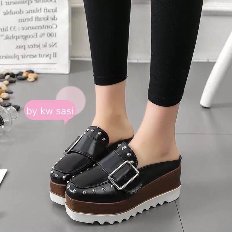 dbc23d157e76 Korean style platform sandals