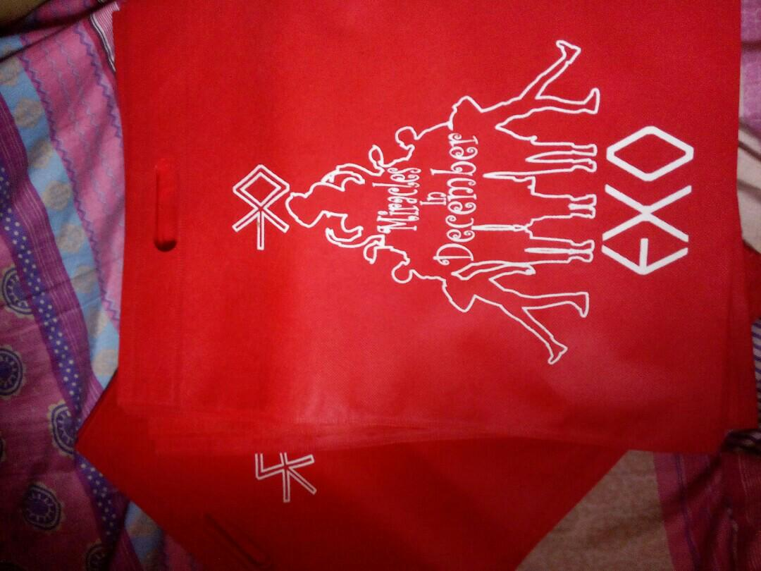 Limited Edition EXO-Miracle In Christmas Eco Bag Set 2 of 2